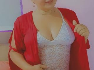 Webcam model TaniaNaughty from XLoveCam
