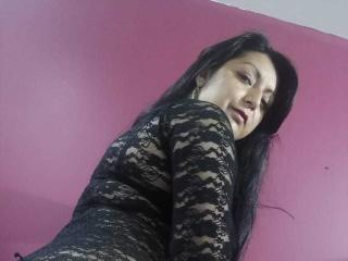 Webcam model SweetMaturet from XLoveCam