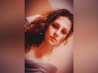 Webcam model MilkaNiksy from XLoveCam