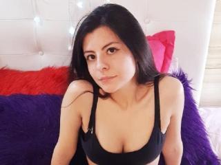Webcam model AlicePuyi from XLoveCam