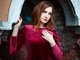 Webcam model KarolinaWine from XLoveCam
