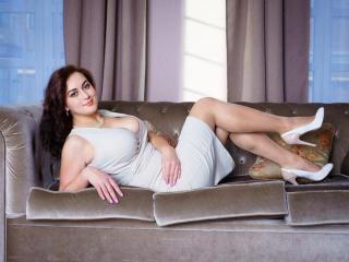 Webcam model FlirtyKattie from XLoveCam