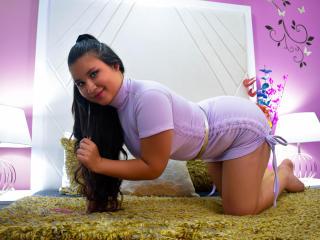 Webcam model MarianaZossi from XLoveCam