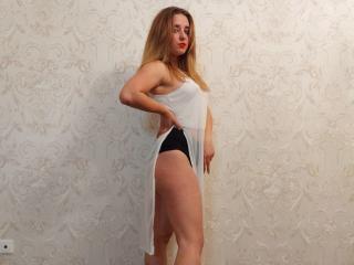 Webcam model JasminMagic from XLoveCam