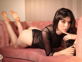 Webcam model NinaMooree from XLoveCam