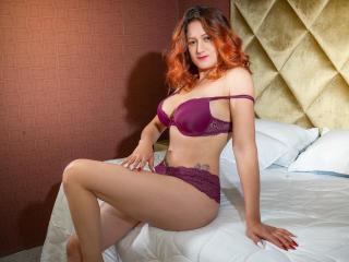 Webcam model NaomiSmith from XLoveCam