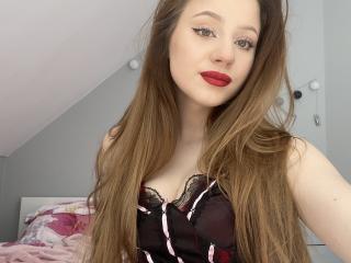 Webcam model RoxanneSexy from XLoveCam