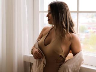 Webcam model MillenaPrettty from XLoveCam