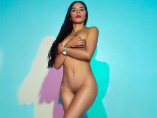 Webcam model HayleySmith from XLoveCam